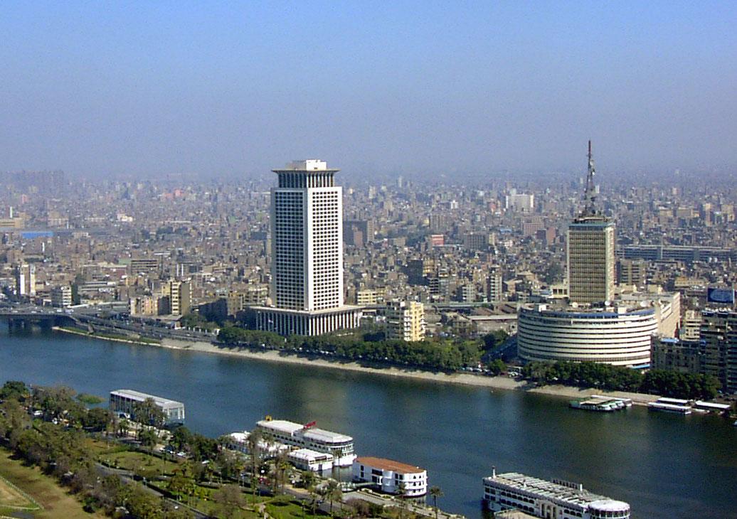 الإعلام المصري الرسمي … إلى أين الطريق
